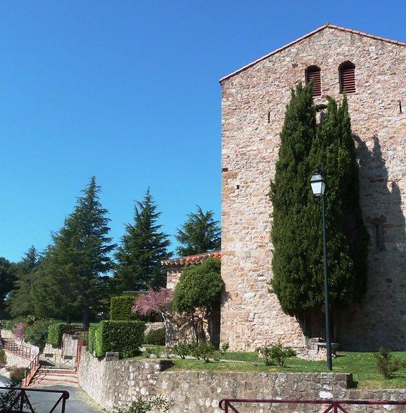 MONTBOLO et son l'église médiévale. Visite guidée en français