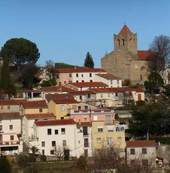 Serralongue. Visite guidée en français