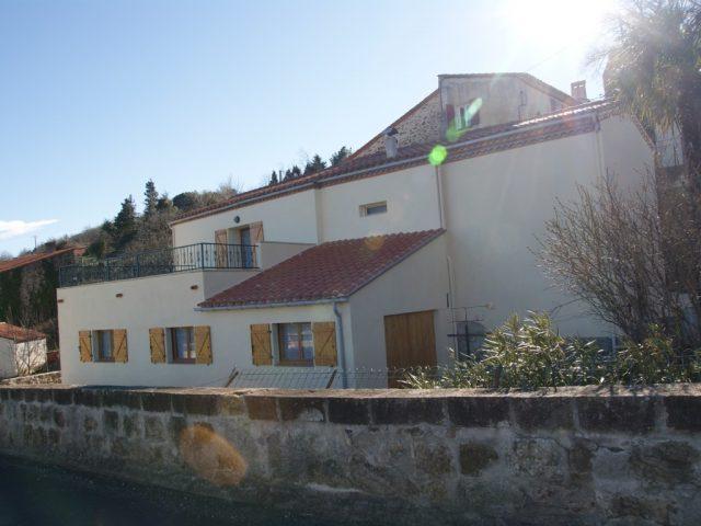 Maison de village à Taulis