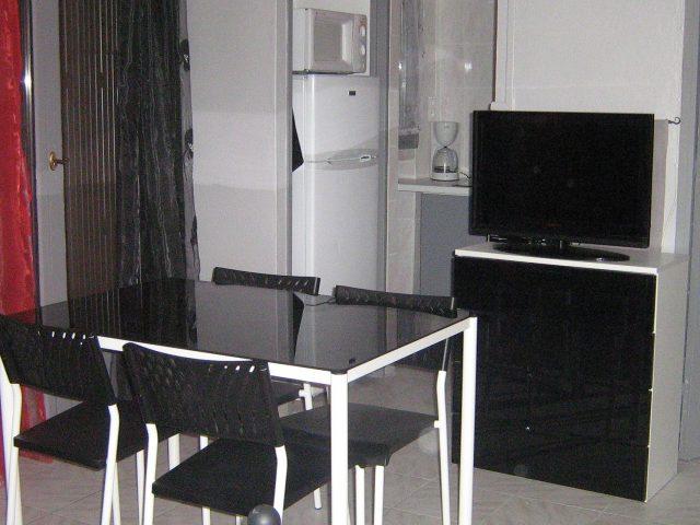 Studio 1er étage ** – PERRARD